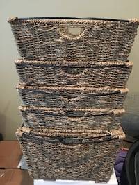 Lot of seagrass & metal baskets (set of 6) Port Coquitlam
