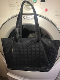 Authentic Chanel tote  Palmdale, 93550