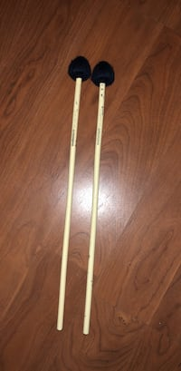 two beige handled drum sticks Bowie, 20715