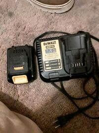 Dewalt lithium ion smart charger an battery