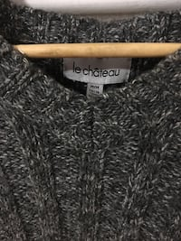 Le Chateau Sweater Burlington, L7T