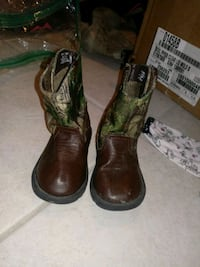 pair of green-and-brown leather cowboy boots Chalmette, 70043