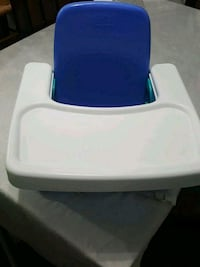 baby's blue and white high chair Laval, H7V 3X2