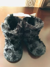 new Black Curly Fur Baby Girl Boot 9-12 months infant(pick up only) Alexandria, 22310
