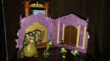 Princess & the frog Toy House and figurines