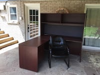 Brown wooden single pedestal desk Ancaster, L9G 3B5