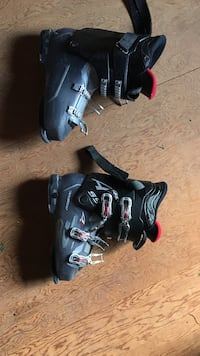 pair of black snowboard boots Esopus, 12466