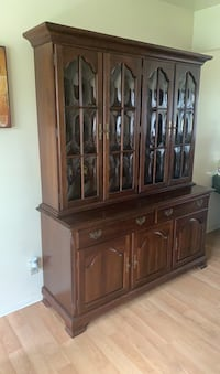 China Cabinet with Matching Dining Room Set with 6 Chairs Union, 07083