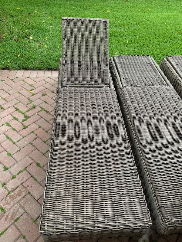 Set of 3 Wicker lounge chairs