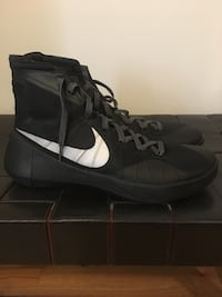 Nike 2015 Hyperdunks Basketball shoes barely used New York, 11216