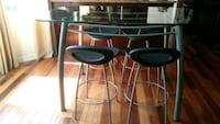 MOVING MUST SELL! Counter height table & 4 chairs Edmonton, T5X 4W2