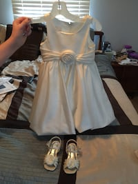 Ivory bubble flower girl dress 3T and shoes size 8 from David's bridal 892 mi