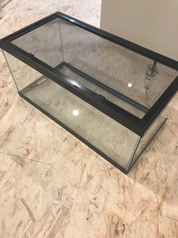 Critter Cage Aquarium - 40 Gallon with extra items. c8762aa6-6e15-4494-b69d-781478822da5