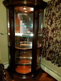 Beautiful Cherrywood lighted curio Croydon, 19021