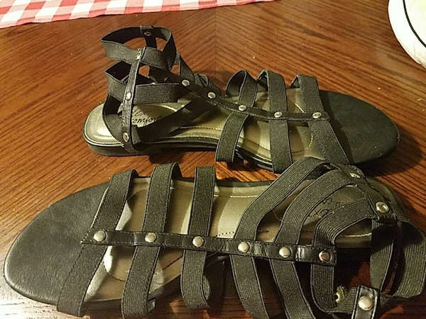 184ed45581f Used Dexflex comfort gladiator sandals for sale in Columbus - letgo