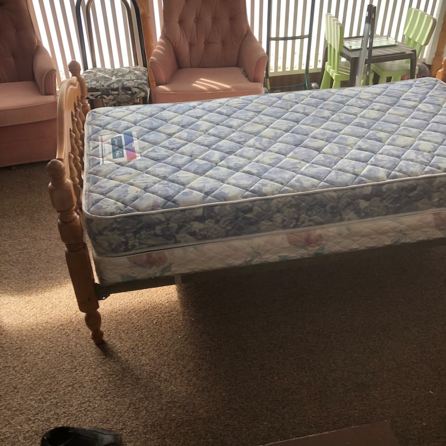 Complete Single Wooden Bed