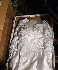 white floral-lace long-sleeve wedding dress Lancaster, 17602