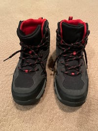 Cat & Jack Boys Winter Hiking Boots Size 6