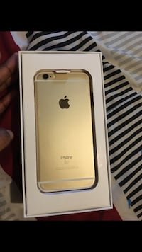 gold iPhone 6s with box 371 mi