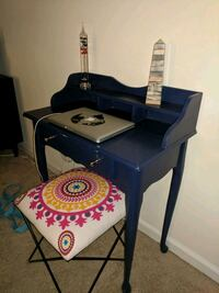 Navy blue letter desk/ vanity Hampton, 23666
