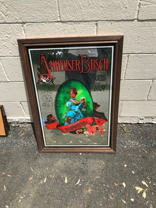 Old Vtg Collectible Anheuser Busch Glass Mirrored Bar Sign advertisin af9794fa-77d1-4622-82f8-2a0ecd106f10