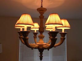 Dining room fixture. Purchased at Union lighting. Reg. 899$