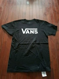 Vans - black and white crew neck shirt
