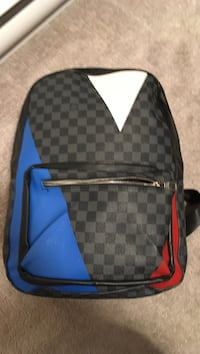 Gray, blue, and white Louis Vuitton checkered backpack North Vancouver, V7P 1R5