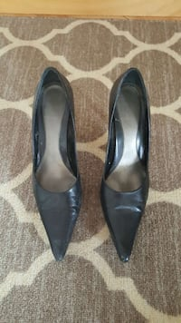 Woman's black leather pump Montreal, H2X