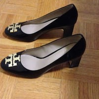 Tory burch pumps worn once
