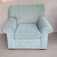 Love Seat - extremely comfy Toronto, M5M