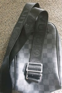 black leather 2-way bag Auckland, 0600