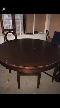 Dining room table with 3 chairs Mechanicsburg, 17050