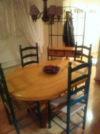 Baker's Rack, Table, 5 chairs Partlow, 22534