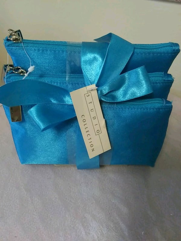 Makeup or accessories bags 195d27c9-2569-4482-adca-673c1bf9977b