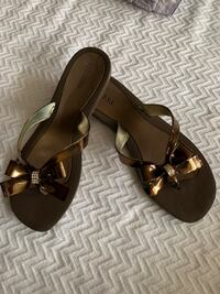 Guess bow flops , sz 10 Silver Spring, 20901