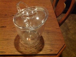 Pampered Chef Ice Bucket with lid 2836