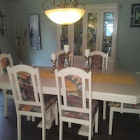 Dining Table and Chairs 555 km