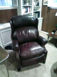 Hancock&Moore leather recliner 28 mi
