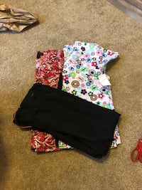 Size medium scrubs $10 for all tops new pants worn once Junction City, 66441