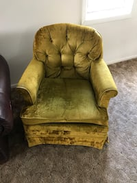 Chair $15 Swivels and rocks Lincoln, 68510