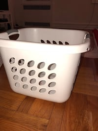 Sterilite laundry basket! New York, 11230