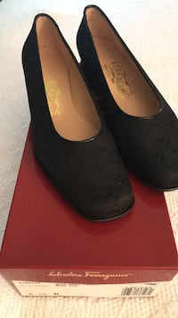 pair of black suede flats Chevy Chase, 20815