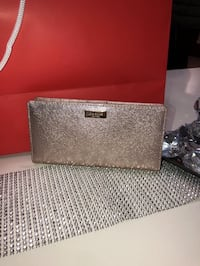 BNWT Authentic Kate Spade Rose Gold Wallet Oshawa