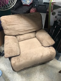brown fabric padded sofa chair Arlington, 22206