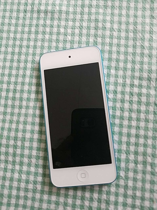 IPod Touch 5th gen with box