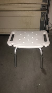 Good sitting chair to bath and shower