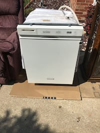 Kitchen Aide dishwasher. 7yo stainless steel interior. Works great.  Lombard, 60148
