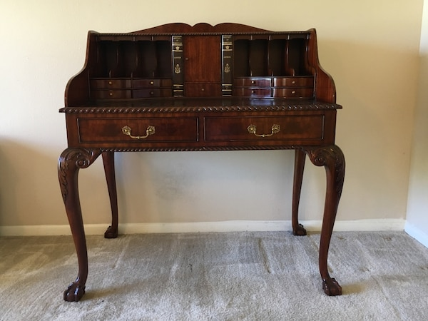 Lineage Antique Style Mahogany Writing Desk - Used Lineage Antique Style Mahogany Writing Desk For Sale In Tampa