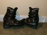 pair of black inline skates Delaplane, 20144